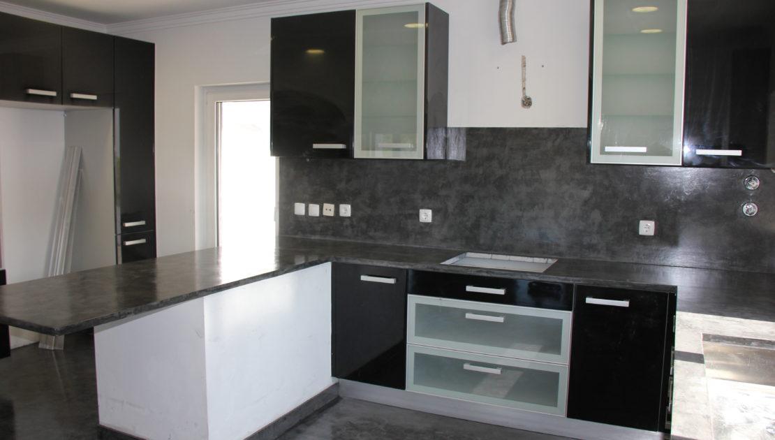 Se puede aplicar microcemento en una encimera de cocina microcemento cemento alisado - Microcemento en cocinas ...
